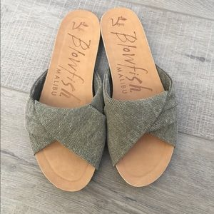 NWT Blowfish Garliss slides sandals